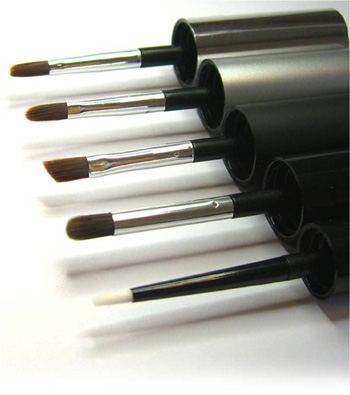 Brivaplast high-performance brushes for make-up artists